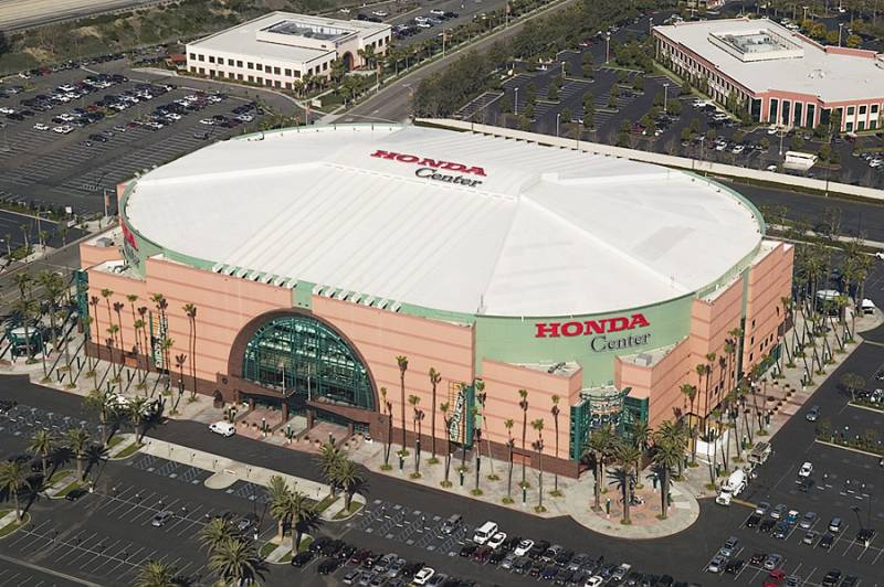 Charter A Helicopter To An Angels Or Ducks Game