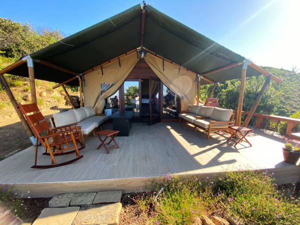 Private Helicopter Hideaway - Helicopter Glamping Experience - Image 1