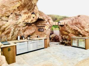Private Helicopter Hideaway - Helicopter Glamping Experience - Image 10
